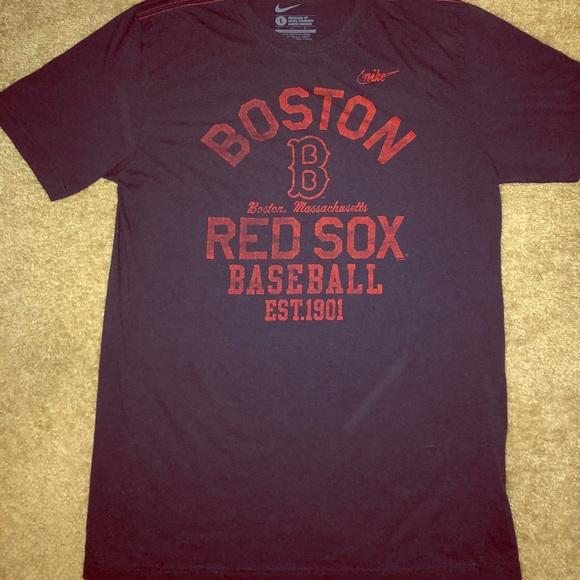 baa97807bc06 🚹Nike DriFit Boston Red Sox T
